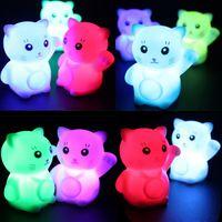 neuheit führte kind lampe großhandel-Glückliche Katze Nachtblinkende Neuheit PVC Lampe Farbwechsel Bunte Magie Led Schlafzimmer Urlaub Dekoration Lampe Für Kinder Geschenk