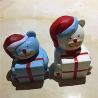 osito azul blanco al por mayor-11.5 * 7 * 8 cm Decoraciones de Navidad Regalos de boda Resina Artesanía Adornos de dibujos animados PU Simulación de rebote lento Buck Juguetes de Navidad Oso Blanco Azul