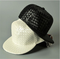 casquette de baseball coréen femmes achat en gros de-Coréen bricolage blanc chapeaux en cuir PU hip hop chapeau hommes et femmes modèle de tissage Flat Edge Baseball Cap