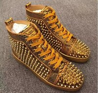 High Top Studded Spikes Casual Flats Red Bottom Sapatos de luxo Homens e mulheres Party Designer Sneakers Lovers Genuine Leather Gold Color