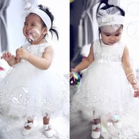 Cute White Flower Girl Dresses para casamento Bow Applique Jewel Neck Sleeveless Girls Party veste tornozelo Length Ballant vestidos de baile