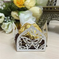 Boîtes En Vrac En Vrac En Gros Pas Cher-Vente en gros - 50pcs Hollow Butterfly Laser Cut Wedding Candy Bar Boîtes à chocolat Emballage pour Gifting Candy Wrappers Wedding Favors And Gifts