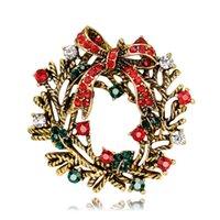 broches de guirnalda al por mayor-Nuevo Diseño Vintage Broches de Navidad Aleación de Navidad Cristal Rojo Verde Rhinestone Garland Broche Regalos de Año Nuevo DHL Envío Gratis
