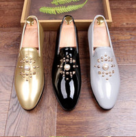 Wholesale B Z - 2017 New European fashion men's shoes rivets loafers a personality and bright skin leather shoes stylist leather shoes Z 62