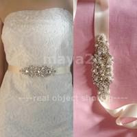 champagner perle gürtel großhandel-Braut Gürtel Crystal Sash Perlen Pearl Ribbon Schärpen Gürtel Braut Hochzeit Zubehör für Kleid Champagner oder weiße Farbe