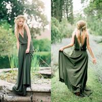 yeşil sırsız gelinin elbiseleri toptan satış-Yaz Bohemian Zeytin Yeşil Şifon Ülke Gelinlik Modelleri Yeni Ucuz Seksi Spagetti Backless Uzun Hizmetçi Onur Törenlerinde Custom Made