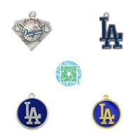 Grossiste-10pcs beaucoup Baseball Los Angeles Dodgers Logo Enamel Silver Plated Charms Sport