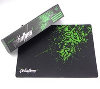 Hot Razer Mouse 320x240x4mm Locking Edge Gaming Tapis de souris Gamer Game Anime Mousepad Mat Speed ​​Version pour Razer Adder dans le package de vente au détail