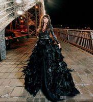 gotik vintage uzun elbiseler toptan satış-Gorgeous Black Dantel Tüyü Gothic Abiye 2018 Seksi Derin V Yaka Long Sleeve Ön Split Kırmızı Halı Prom Parti Gowns Özel Made