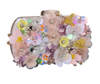Wholesale bridal party totes - Vintage Designer 3D Flower Evening Clutch Bag Wedding Bridal Champagne Handbag Purse Wallet Party Prom Metal Hard Box Shoulder Makeup Kit