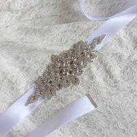 luxuosos vestidos de baile rhinestones venda por atacado-luxo nupcial Belt strass acessórios vestido de noiva adorno Belt 100% Branco Marfim Blush Caixilhos de noiva feitos à mão Por Prom Party