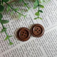 декоративное шитье оптовых-Деревянные швейные пуговицы 4 отверстия Dia.25mm кнопка Шуба пальто одежды швейные декоративные аксессуары DL_BUW022