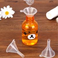 mini-kunststoff-öl-trichter großhandel-100 teile / los Kunststoff Mini Kleine Trichter Für Parfüm Flüssigkeit ätherisches öl füllen leere flasche Verpackung Werkzeug für freies verschiffen