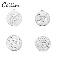 Hollow Plum Blossom Pequenos encantos Round Stainless Steel Metal Charm Pendant For Bracelet Necklace DIY Making Jewelry Supplies Wholesaler