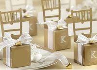 süßigkeit hochzeit bevorzugung boxen silber großhandel-Silber Golden Chair Bomboniere Süßigkeit-Kasten Hochzeitsbevorzugungsgeschenk Box Hochzeit Dekorationen Süßigkeit-Kästen mit Herz-Anhänger Band