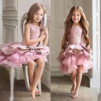 kleinkindkleid weiße federn großhandel-Wunderschöne rosa kleinkind blumenmädchen kleid für hochzeit a-linie knielangen schönheitswettbewerb kleid weihnachten rüschen mädchen abendgesellschaft kleid 2019