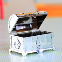 Wholesale Treasure Chests Wholesale - 200pcs Retro Treasure Chest Favor Box Plastic Transparent Gold Silver Candy Boxes Chocolate Gift Boxes For Party Guest