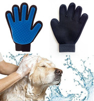 Wholesale light blue gloves - New Pet Bath Gloves Cats & Dogs Universal Cleaning Massage Brushes Light Removal Cleaning Tools free shipping