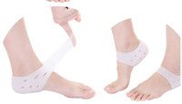 Wholesale White colour Pair Soft Silicone Anti Cracking Foot Care Gel Pad Moisturizing Gel Heel Socks Cracked Foot Care Patch Leg Protector Pink