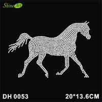 iron patches horse achat en gros de-Livraison gratuite Cristal Diamant Strass Cheval Animal Motif Fer à repasser Patch Chaud Fix Fer sur la conception DIY DH0053 #
