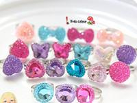 joyas de piedras preciosas de imitación al por mayor-Bebé encantador Resina Mixta Mariposa Corazón Anillos de Imitación de Piedras Preciosas Joyería de Corea Niñas Princesa Niños Anillos Niños Regalo