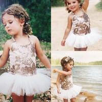 projetos simples de vestido curto venda por atacado-2019 Bonito Lantejoulas Vestido Da Menina de Flor Doce Mini Curto Tule Crianças Vestidos de Design Simples Pageant Barato Meninas Vestidos DTJ