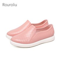 Wholesale Rain Crocodiles - Women Fashion PVC Rainboots Slip-on Casual Lazy Flats Rain Shoes Lovers Waterproof Crocodile Pattern Water Shoes Wellies RS12