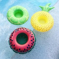 Mais recente PVC Inflável Drink Cup Holder Beverage Holders Frutas Limão Abacaxi Watermellon Floating Glass Inflável Pool Toy Beach Stand