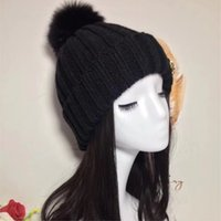 Wholesale Fox Yarn - A00C - FUR Winter fur pompom Cloches , wool hat, Big Real Fox fur bobble hat 3 colors free size.