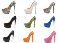 diseño de zapatos de damas de la boda al por mayor-Bombas de plataforma de noche de tacones altos de 16 cm de tacón alto para mujer, zapatos de vestir de boda de diseño de lujo para mujer Sandalias negras con punta de cuero de serpiente
