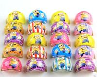 minion takmak toptan satış-Toptan 500 Adet / grup Mix Yeni Parti Hediye Çantası Fit Minions Çocuk Reçine Yüzükler Çocuk Güzel Mevcut