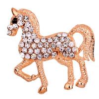 pernos de la joyería del caballo al por mayor-Al por mayor- Joyería fina y de moda Retro Tono dorado Walking Horse Brooch Pin White Rhinestone Inlay Charming