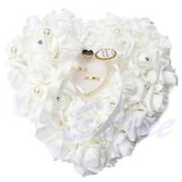 joyero corazon blanco al por mayor-Venta al por mayor romántica rosa blanca almohada de la boda en forma de corazón en forma de regalo de la joyería del anillo del cojín de la boda decoración