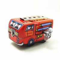 пожарные машины оптовых-Ретро классический пожарный пожарная машина грузовик Заводной ветер оловянные игрушки новый горячий YH996