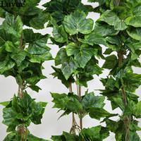 vrai décor achat en gros de-Gros-10PCS comme véritable soie artificielle feuille de vigne guirlande faux vigne Ivy intérieur / extérieur décoration de mariage fleur vert cadeau de Noël