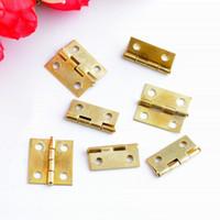 ingrosso oro-All'ingrosso-Spedizione gratuita 25pcs Hardware Gold Tone 4 fori Cerniere per porte a testa a testa in legno (non comprese le viti) 18x15mm F1019