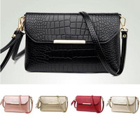 Wholesale United Chocolate - 2017 bag Europe United States fashion PU crocodile pattern hand bag Simple shoulder diagonal cross small square package Capacity Waterproof
