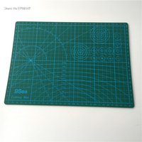 Wholesale Quilting Cutting Mats - Wholesale-Free Shipping 1 Set Dark Green A4 Model 30 * 22cm Pvc Material Using A4 Cutting Mat Quilting Quality Assurance