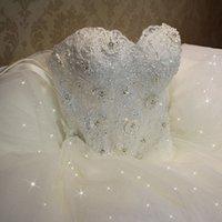 robes de mariée lacées achat en gros de-Real Image Pas Cher Une Ligne Robes De Mariée Chérie Appliques De Lacets Perlée Princesse Vintage Jardin Pays Mariage De Mariée Robes