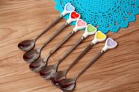 metal coração decorações venda por atacado-colher de aço inoxidável Multicolor coração de cerâmica em forma de decoração de mesa criativas agitação colheres de creme colher de café de gelo