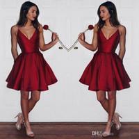 vestidos simples para graduação venda por atacado-Simples Barato Vermelho Escuro Homecoming Vestidos 2017 Cintas De Espaguete Curto Prom Vestido De Cetim Mini vestido de Festa de Formatura Vestido