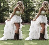 robes de mariée achat en gros de-Robes de mariée de style campagnard modeste haut bas 2019 Sweetheart Ruffles Organza asymétrique ajusté Hi-Lo blanc mariée robes de mariée