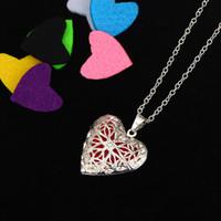 blumenförmiges medaillon großhandel-50 CM Silber Ätherisches Öl Diffusor Halskette Blume Herzform Anhänger Medaillon Aromatherapie Halsketten Liebhaber Valentinstag Geschenk B403Q F