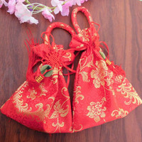 Wedding Favor Candy Box Jewelry Pouch Delicate Chinese Flower Bordado com Tassel tradicional e Jade Asian Gift Gift Gift