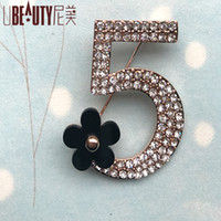 Wholesale Crystal Brooch For Girls - Wholesale- 2017 High quality men crystal 5 brooch Korea fashion CC brooch pin accessories party gifts brooches for women girls 0027