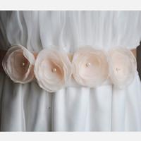 champagner perle gürtel großhandel-Hand Nähen Multilayer Blume Gürtel Hochzeit Schärpen Hochzeit Zubehör Perlen Perle Blume Champagner / Weiß / Beige