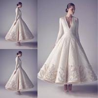 dantel boyun balo elbiseleri toptan satış-Ashi Stüdyo Akşam Gelinlik Saf Beyaz 2019 Sıcak Satış Uzun Kollu Derin V Boyun Dantel Boncuk Aplike Kişiselleştirilmiş Düğün Konuk Elbiseleri
