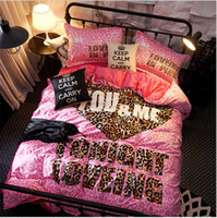 VS Love Pink Bedding 4 Set Velluto di Flannel Quilt Cover Lenzuolo PillowCase Rosa Lettera Lenzuola Spessa Articolo Set invernali caldi in inverno