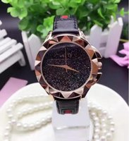 2017 Femmes Hot Brand Casual Fashion Quartz Bracelet Montre-bracelet Soft Leaher Steel Clover Crystal Lady Dress Montres