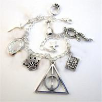 santifica la pulsera al por mayor-12pcs Deluxe Horcruxes deathly Hallows Charm Bracelet HP charm pulsera inspirada